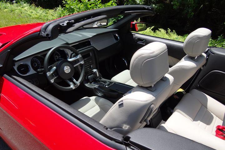2013 Mustang Gt Premium Convertible Belonging To Nature